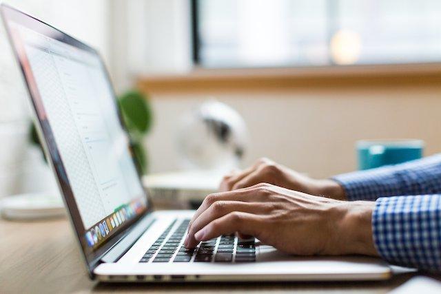 laptop-computer-typing
